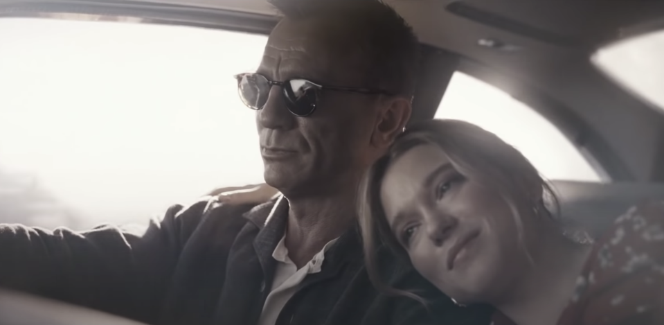 James Bond (Daniel Craig) and Madeleine Swann (Léa Seydoux) in the music video for No Time To Die. (YouTube/Billie Eilish)