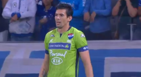 VIDEO: Fantastic one-handed Superman save from free kick