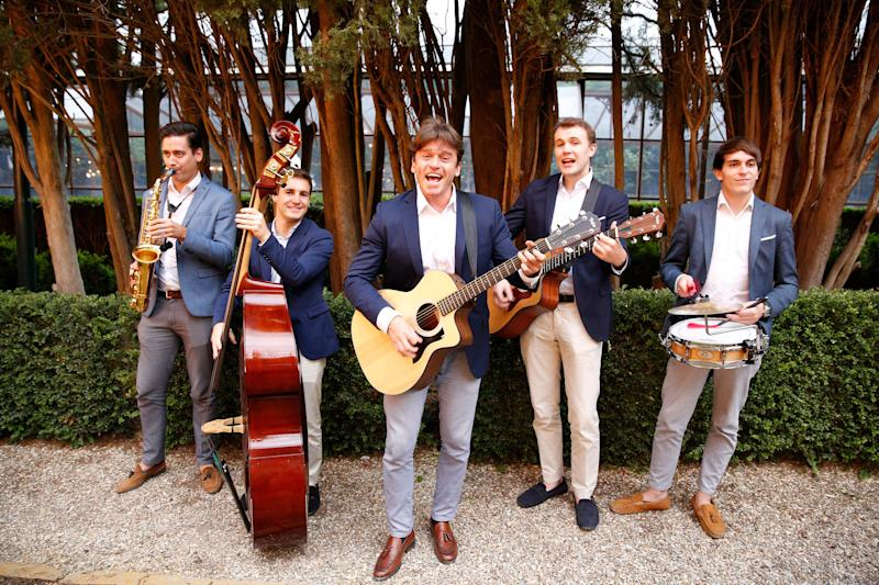 The Italian band Gypsy Queens served as the entertainment.