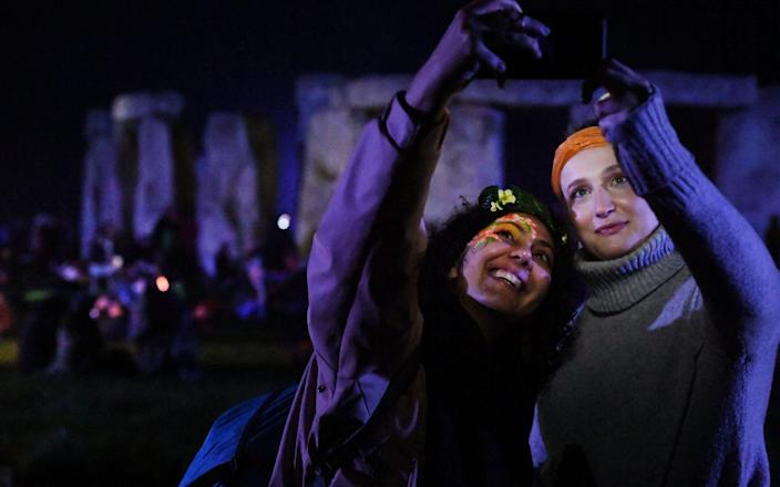 how celebrate summer solstice stonehenge - RUSSELL SACH - PHOTOGRAPHER