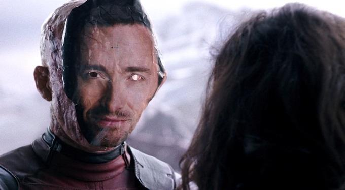 Reynolds showing Hugh Jackman some love in 'Deadpool' (credit: 20th Century Fox)