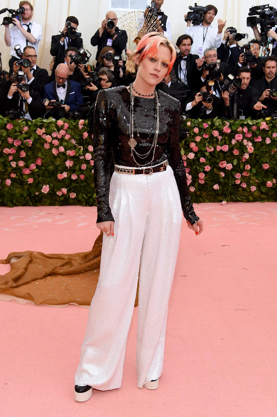 'Twilight' star Kristen Stewart stepped out in a two-piece, sequinned outfit which she matched with a cropped pink hairstyle. Photo: Getty Images