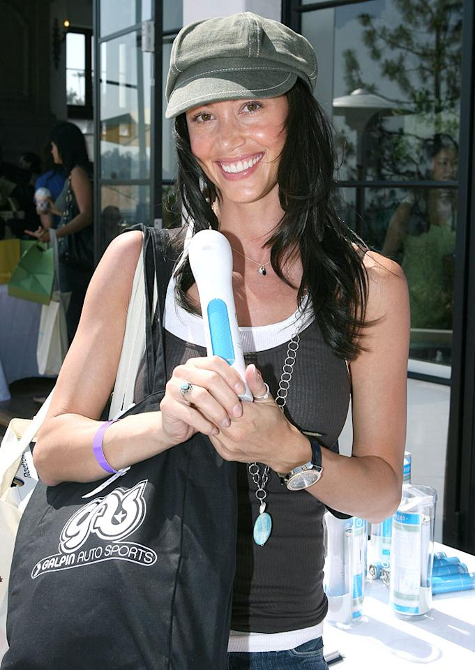 """Shannon Elizabeth with products from the MTV Movie Awards Style Lounge. Alexandra Wyman/<a href=""""http://www.wireimage.com"""" target=""""new"""">WireImage.com</a> - May 31, 2007"""