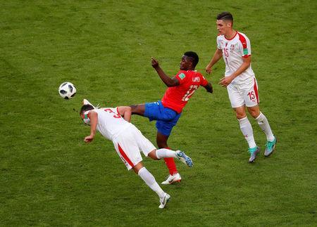 Soccer Football - World Cup - Group E - Costa Rica vs Serbia - Samara Arena, Samara, Russia - June 17, 2018 Costa Rica's Joel Campbell in action with Serbia's Dusko Tosic and Nikola Milenkovic REUTERS/David Gray