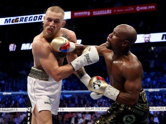 Mayweather lands clean on McGregor (Getty)