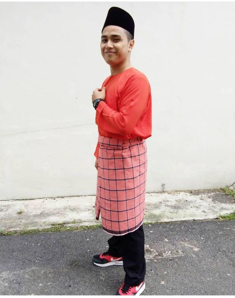 Nasrul Rosman in his traditional Malay outfit during Raya celebrations last year. — Picture courtesy of Nasrul Rosman