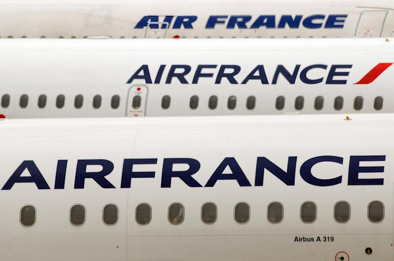 "Air France announces the ""temporary suspension"" of its flight to Freetown"