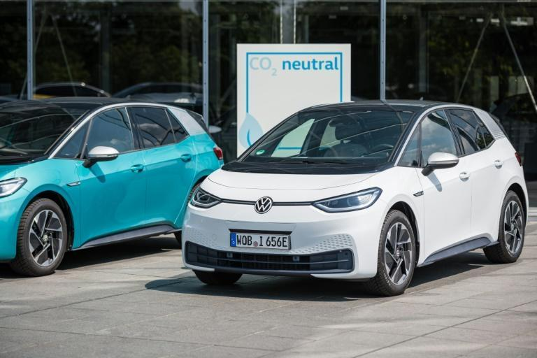Carmakers around the world have started setting timetables to shift to electric vehicles in the face of increasingly strict anti-pollution standards put in place to fight climate change
