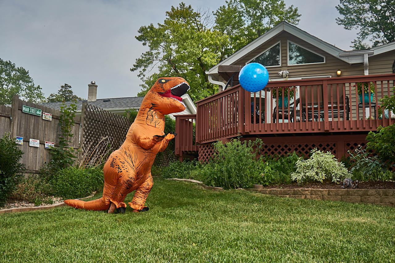 <p>This real estate agent really had a Jurassic lark in attempting to sell one of her most recent properties. (Photo: Nebraska Realty/Caters News) </p>