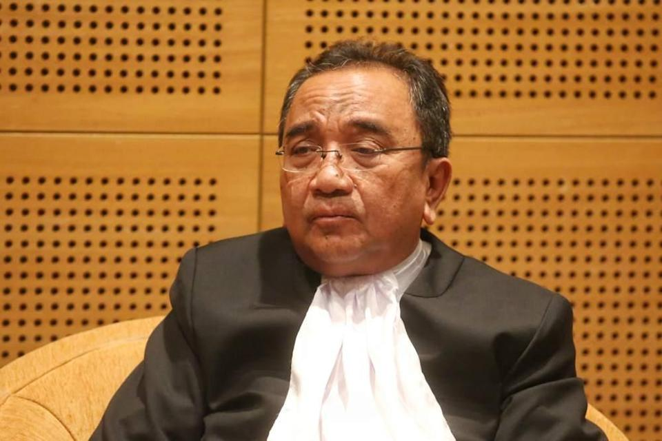 File picture shows Chief Judge of the High Court of Malaya Tan Sri Datuk Sri Azahar Mohamed speaks during a press conference in Putrajaya January 10, 2020. ― Picture by Choo Choy May