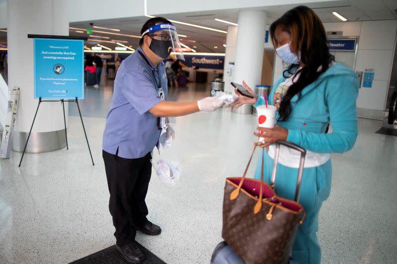 U.S. international airline passenger contact tracing plan stalls, sources say