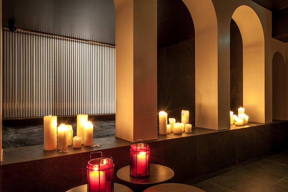 The candlelit spa (Sinner)