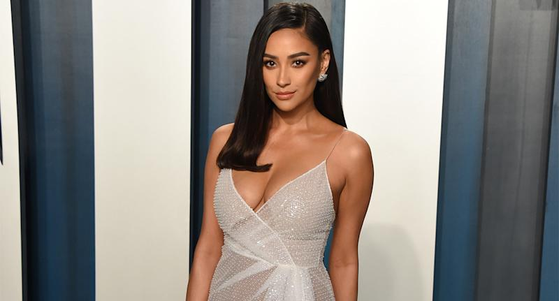 Shay Mitchell shared how she deals with mom-shaming in a candid new interview. (Photo by John Shearer/Getty Images)