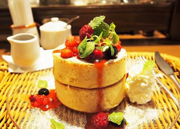 Almost Too Big for the Table! 3 Shops with Some of Tokyo's Thickest Pancakes