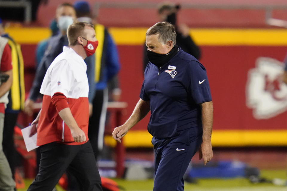 New England Patriots head coach Bill Belichick walks off the field after falling 26-10 to the Kansas City Chiefs on Monday. (Jeff Roberson/AP)