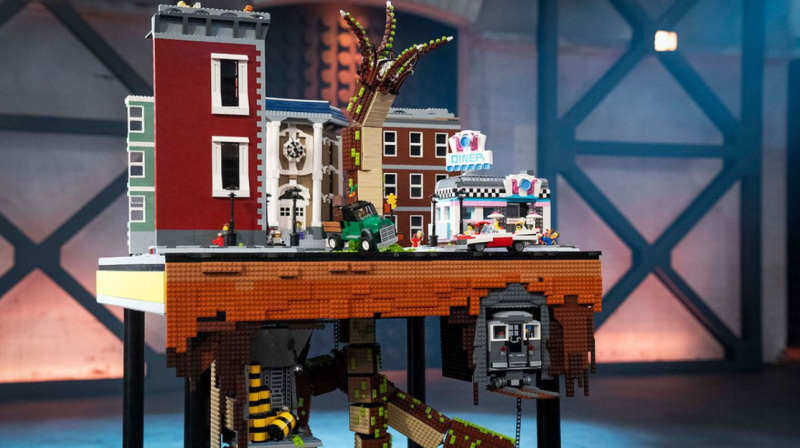 legomasters above and below
