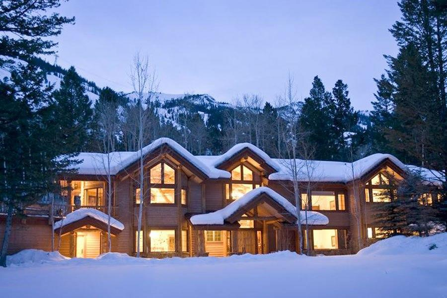"<b><a href=""http://homes.yahoo.com/search/Wyoming/Teton_Village/homes-for-sale"" target=""_blank"">Teton Village, Wyoming</a> </b><br> <p>Listing: $3.895 million<br> Home Details:<br> 5 bedrooms<br> 6 baths<br> 6,250 square feet</p> <br> <p>Pedigree: Situated in the picturesque town surrounding the Jackson Hole resort, North Colter Lodge was built by local architect Ellis Nunn in 2001. The cedar exterior blends elegantly into the forested landscape, and large windows frame exquisite mountain views.</p>"