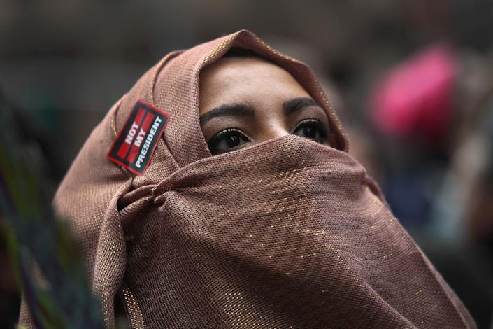 <p>A Muslim American marches during the Women's March on January 21, 2017 in New York City. (John Moore/Getty Images) </p>