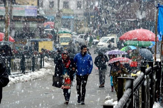snowfall in srinagar, jammu srinagar national highway, Nashri-Chenani tunnel thrown open