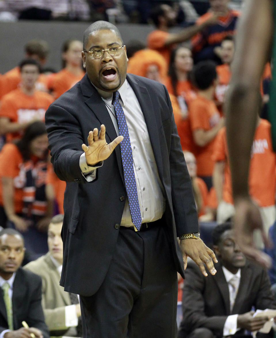 Norfolk State head coach Robert Jones calls a play during an NCAA college basketball game against Virginia, Sunday Nov. 16, 2014 in Charlottesville, Va. (AP Photo/Andrew Shurtleff)