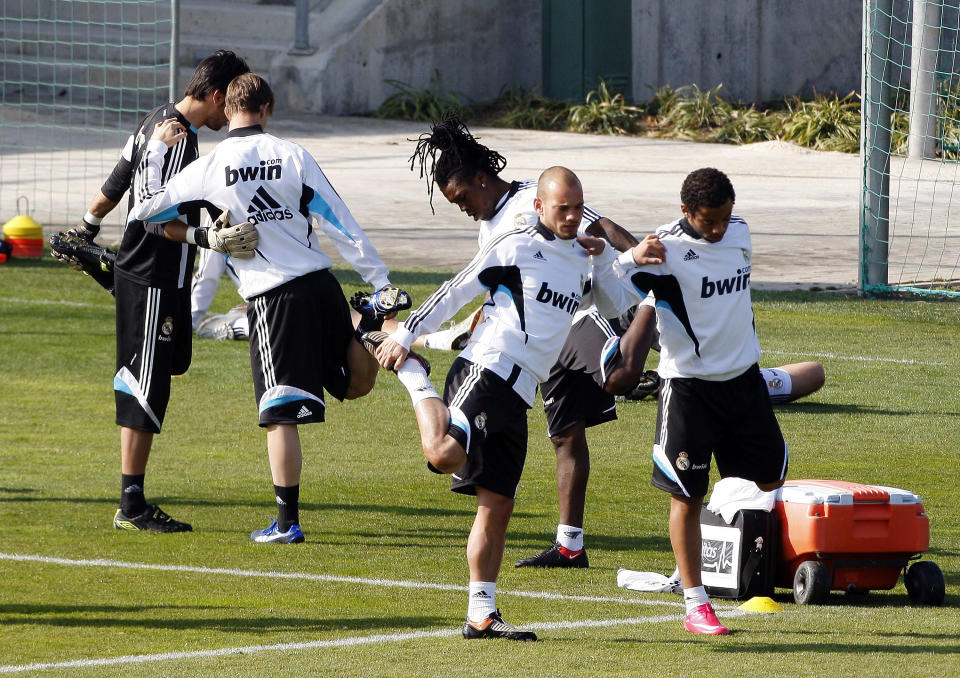 Drenthe entrenando junto a Guti, Snejder y Marcelo durante su etapa en el Real Madrid. (Foto: David R. Anchuelo / Real Madrid / Getty Images).