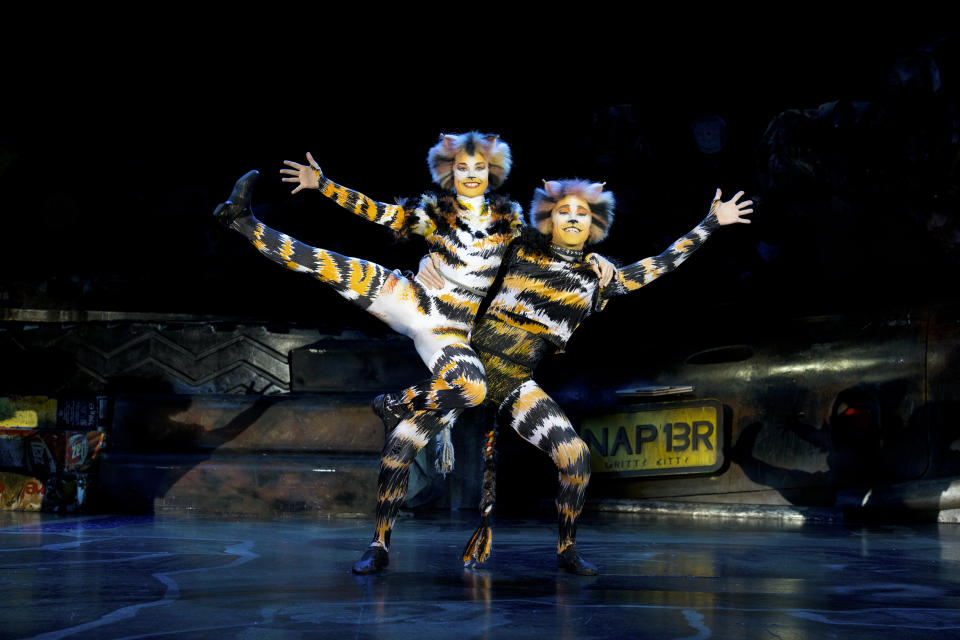 Rumpleteazer (left) and Mungojerrie in the London/West End Cats musical 2019 tour production by Cameron Mackintosh and Andrew Lloyd Webber's The Really Useful Theatre Group. (PHOTO: CATS Tour 2019/Alessandro Pinna)