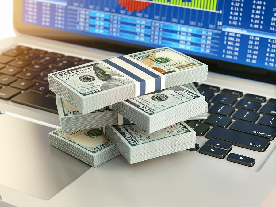 Paypal (PYPL) Stock Sinks As Market Gains: What You Should Know