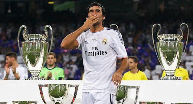 <p>Raul (Real Madrid, FC Schalke 04): 71 Tore in 142 Spielen</p>