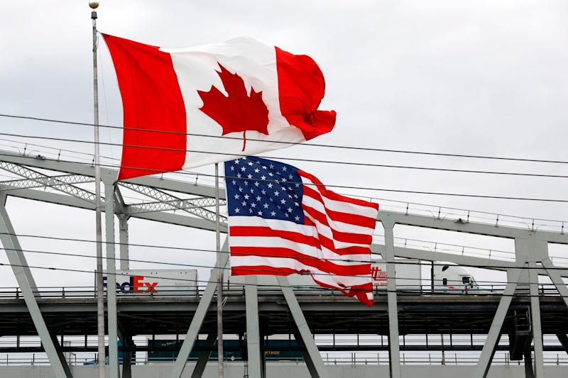 Travelling between the Canada-U.S. border is still shut down for non-essential visitors. (Photo: JEFF KOWALSKY via Getty Images)