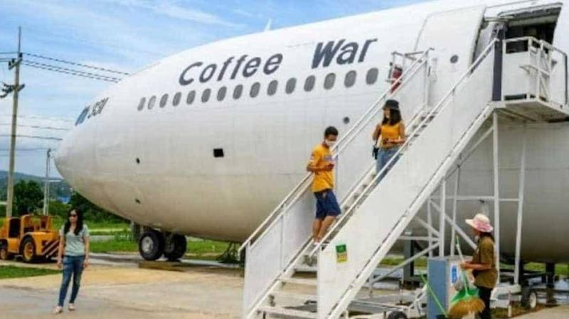 Amid COVID-19, plane cafes launched in Thailand