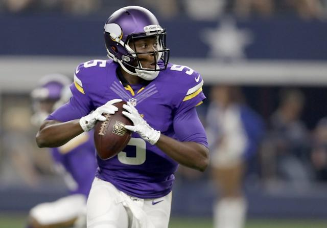 Teddy Bridgewater practices with team for 1st time since knee injury