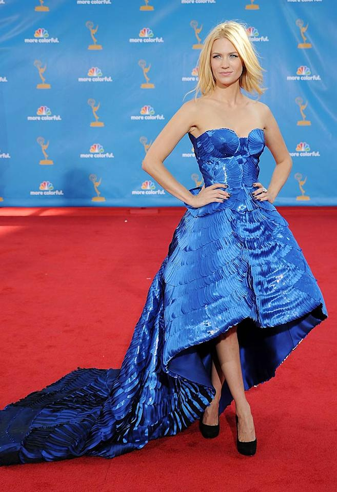 """January Jones<br> Grade: D+<br><br> In a desperate attempt to be fashion forward, the """"Mad Men"""" actress' efforts backfired in the worst way thanks to this scaled, electric blue, hoop-skirted monstrosity by Atelier Versace. Bedhead and over $1 million in Cartier diamonds couldn't save the over-the-top getup."""