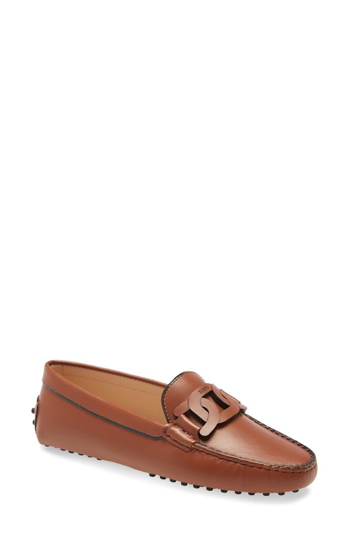 """<p><strong>Tod's</strong></p><p>nordstrom.com</p><p><strong>$645.00</strong></p><p><a href=""""https://go.redirectingat.com?id=74968X1596630&url=https%3A%2F%2Fwww.nordstrom.com%2Fs%2Ftods-gommini-chain-detail-driving-moccasin-women%2F5645357&sref=https%3A%2F%2Fwww.townandcountrymag.com%2Fstyle%2Fg2095%2Fmothers-day-gift-ideas%2F"""" rel=""""nofollow noopener"""" target=""""_blank"""" data-ylk=""""slk:Shop Now"""" class=""""link rapid-noclick-resp"""">Shop Now</a></p><p>She'll feel chic and put together every time she slides her feet into these. </p>"""