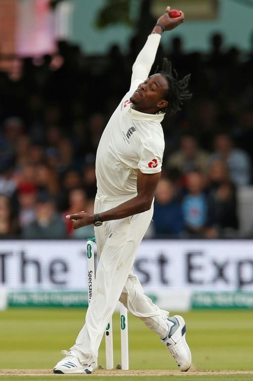 'Great effort - England fast bowler Jofra Archer's performance at Lord's on Saturday was praised by Australia coach Justin Langer (AFP Photo/Ian KINGTON)