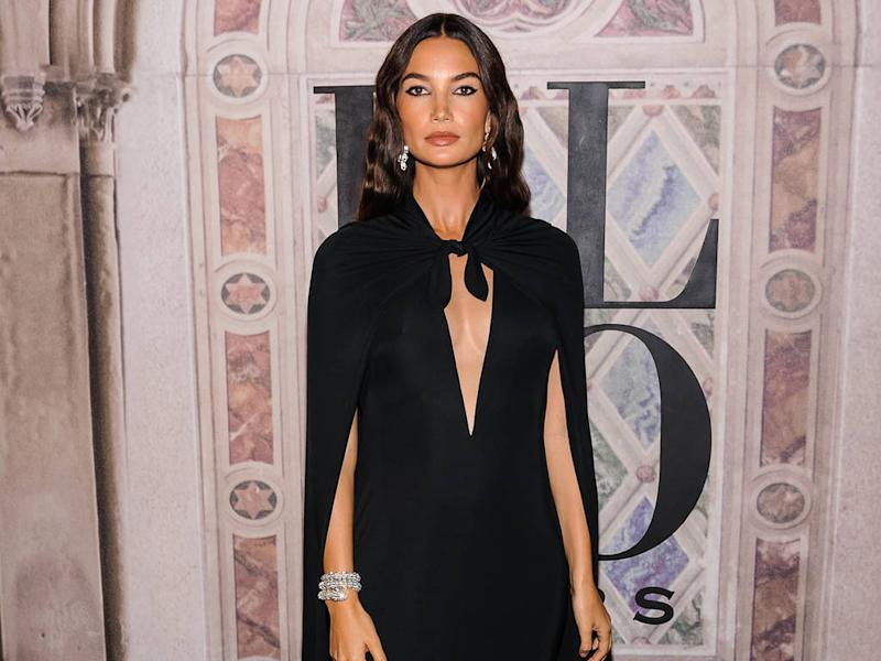 Lily Aldridge used sheet masks on her belly during second pregnancy