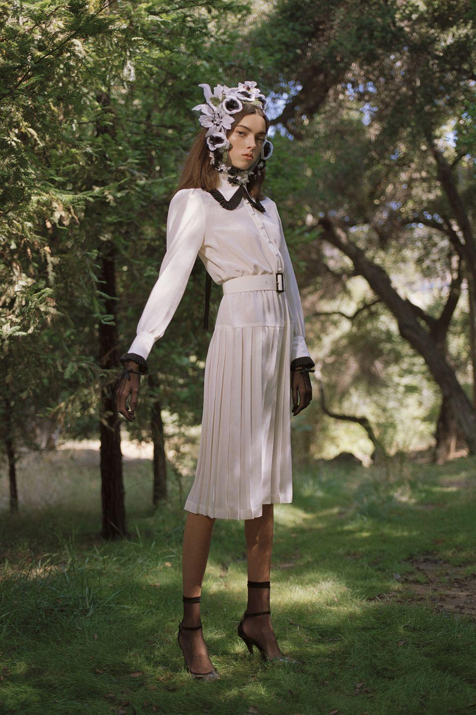 <p>Statement collars are the perfect way to elevate a simple shirt. Your neckline never looked so fancy! </p><p><em>Rodarte</em></p>