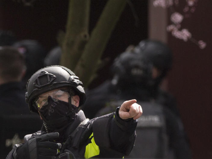 Dutch counter terrorism police prepare to enter a house after a shooting incident in Utrecht, Netherlands, March 18, 2019. (Photo: Peter Dejong/AP)