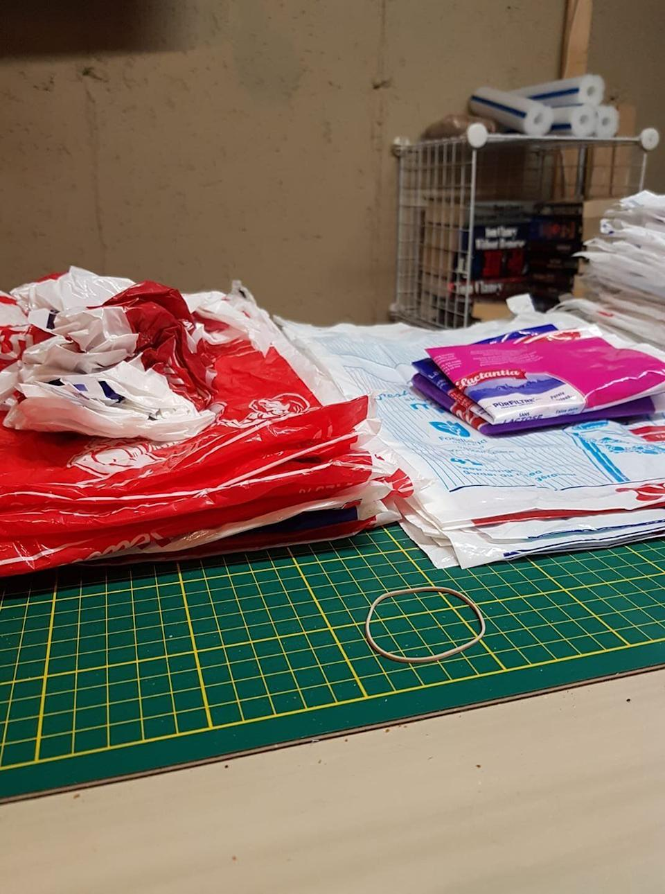 A photo by group member Rick Weber showing the difference between an improper stack of bags (left) and a more helpfully flattened stack (right). (Photo: Courtesy of Kathy Kibble)