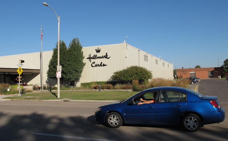 Hallmark Cards to close Topeka, Kan., plant
