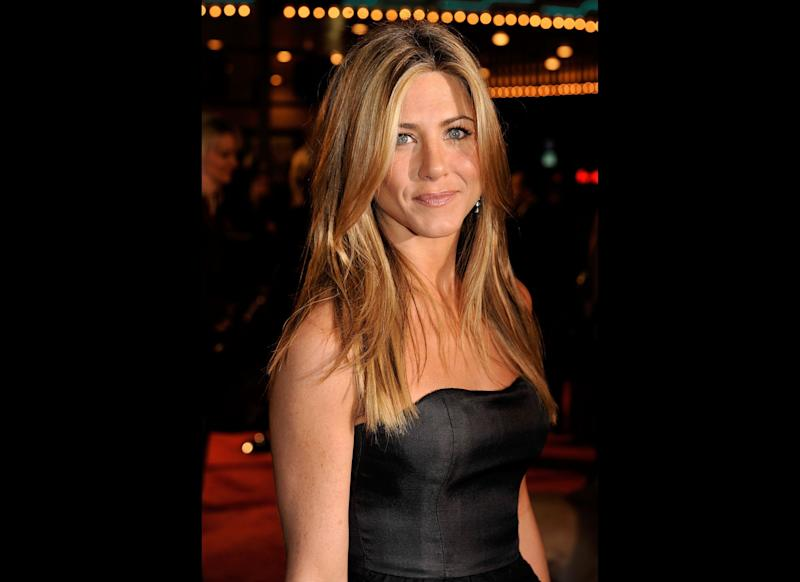 WESTWOOD, CA - DECEMBER 11: Actress Jennifer Aniston arrives at the premiere of 20th Century Fox's 'Marley & Me' held at the Mann Village Theater on December 11, 2008 in Westwood, California. (Photo by Kevin Winter/Getty Images)