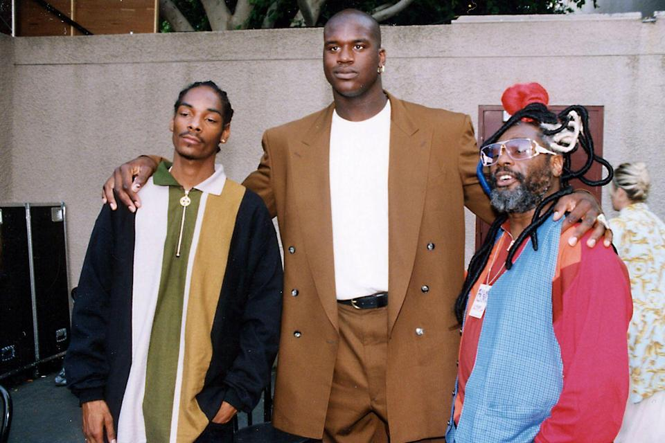 <p>Snoop Dogg, Shaquille O'Neal, and George Clinton at the 1993 MTV Video Music Awards in L.A.</p>
