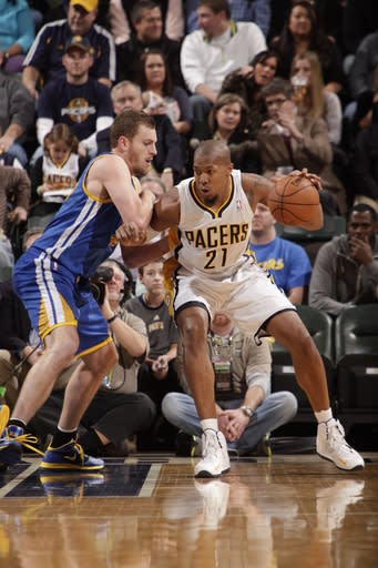 INDIANAPOLIS, IN - FEBRUARY 26: David West #21 of the Indiana Pacers back up to the hoop against the Golden State Warriors on February 26, 2013 at Bankers Life Fieldhouse in Indianapolis, Indiana. (Photo by Ron Hoskins/NBAE via Getty Images)