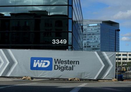 Western Digital Corporation (WDC) Stock Rating Reaffirmed by Mizuho