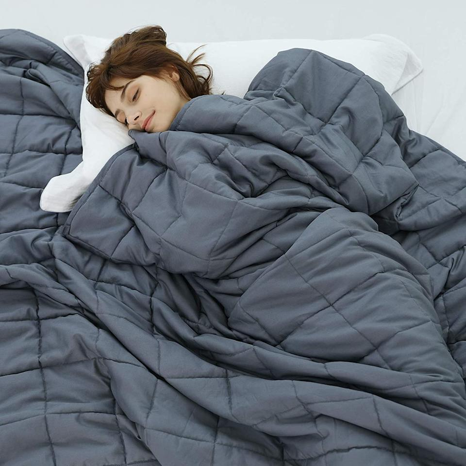 Weighted Idea Weighted Blanket 20 lbs - Amazon, $90 (originally $120)
