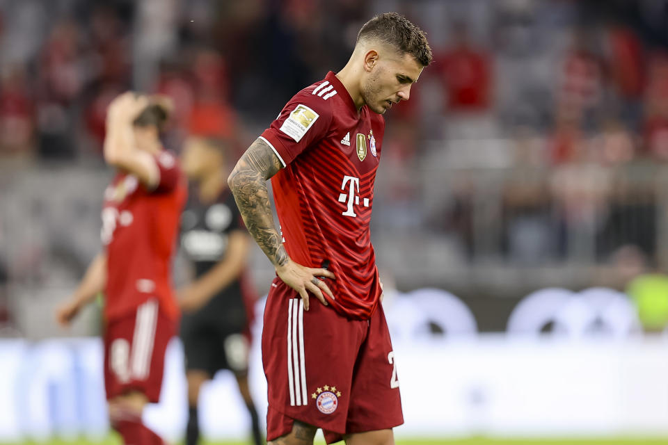 MUNICH, GERMANY - OCTOBER 03: (BILD OUT) Lucas Hernandez of Bayern Muenchen looks dejected during the Bundesliga match between FC Bayern Muenchen and Eintracht Frankfurt at Allianz Arena on October 3, 2021 in Munich, Germany. (Photo by Roland Krivec/DeFodi Images via Getty Images)