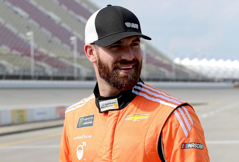 NASCAR driver plasters own face on hood, will have hairiest car at Daytona 500
