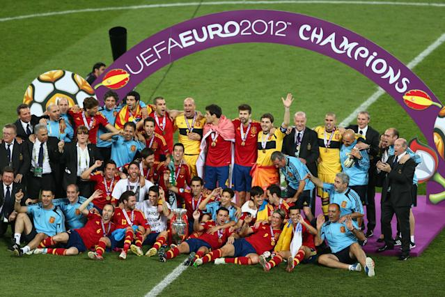 KIEV, UKRAINE - JULY 01: Spain celebrate their victory after the UEFA EURO 2012 final match between Spain and Italy at the Olympic Stadium on July 1, 2012 in Kiev, Ukraine. (Photo by Michael Steele/Getty Images)