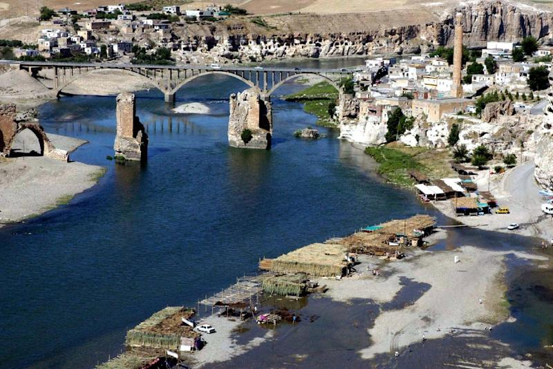 Hasankeyf, a small poverty-stricken town on the banks of the Tigris and once a mighty city in ancient Mesopotamia, is to be part-submerged by a project to build a hyrdroelectric dam (AFP Photo/Str)