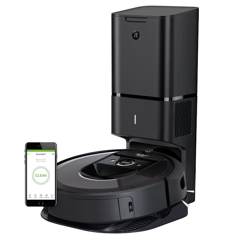 Robot Roomba i7+ (7550) Robot Vacuum with Automatic Dirt Disposal. (Photo: Amazon)
