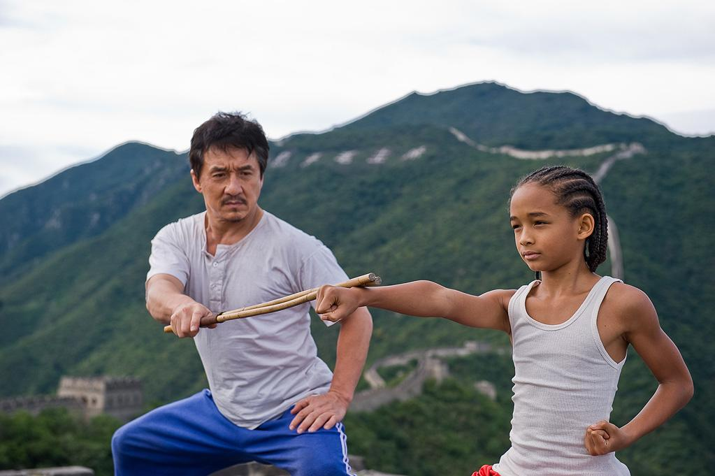 "10. <a href=""http://movies.yahoo.com/movie/1810127520/info"">THE KARATE KID</a>  Domestic Total Gross: $176,591,618    Riding the 1980s nostalgia wave, and starring Jaden Smith -- son of one of the biggest box office stars in the world -- this martial arts action drama remake opened big and found a solid spot at number ten."